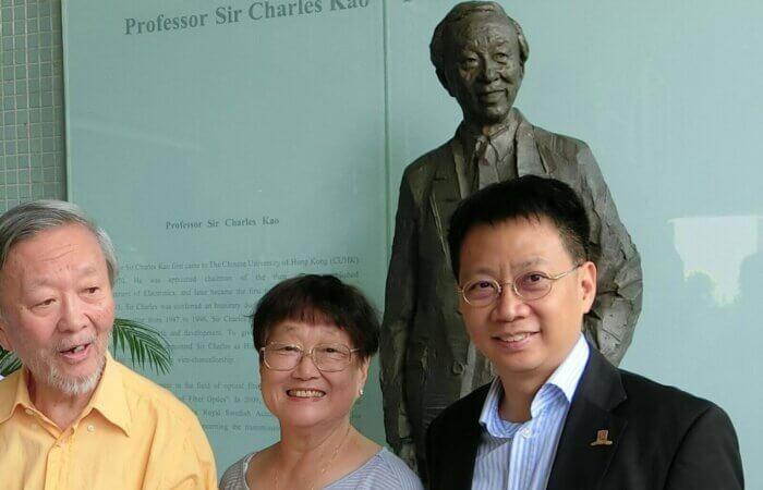 2016年6月10日, 中文大學高錕博士銅像揭幕儀式上與高錕伉儷合照