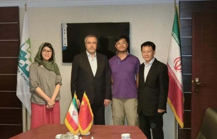 林博士與香港電台電視部鏗鏘集工作人員拜訪伊朗中國友好協會Ahad Muhammad