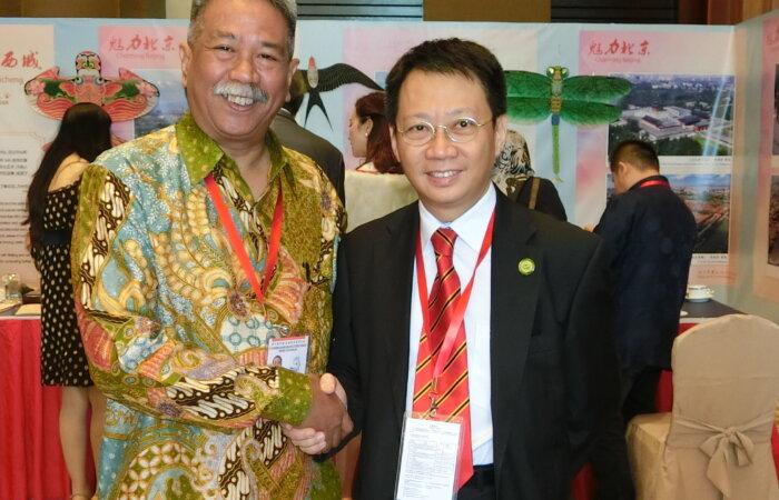 林博士於第十屆中國東盟友好大會上與東盟副秘書長Mr. Motchan會面