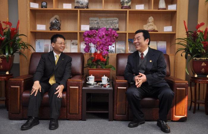 2008年師弟不二,繼承池田先生成為天津社會科學院第八號名譽教授