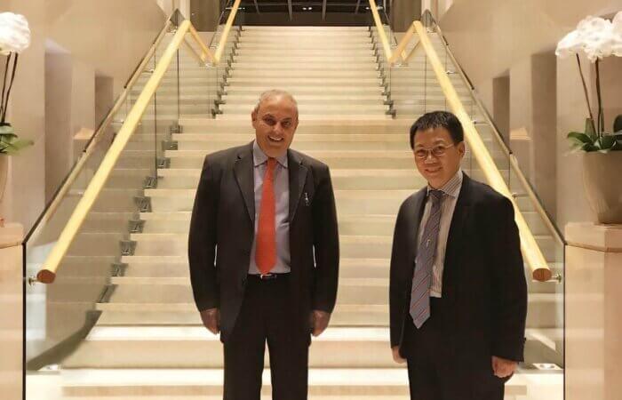 2017年11月10日, 我在北京香港賽馬會認識了哥倫比亞大學薩夫曼教授